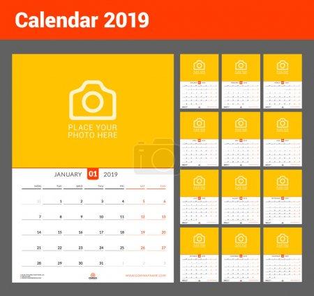 2019年的挂历。矢量设计打印模板与位置的照片。星期从星期一开始。设置12页。纵向方向_高清图片_邑石网