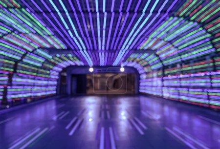 模糊抽象走道多彩隧道灯景背景