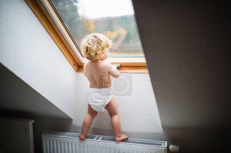 在家中处境危险的蹒跚学步的孩子