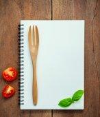 食品的背景下和食物菜單設計甜羅勒和櫻桃湯姆