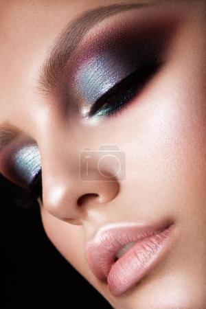 漂亮的女人和专业化妆_高清图片_邑石网
