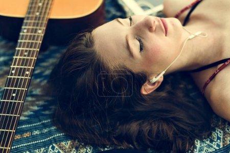 美丽的女人,毯子上