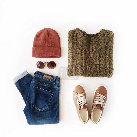 秋天和冬天的衣服拼贴