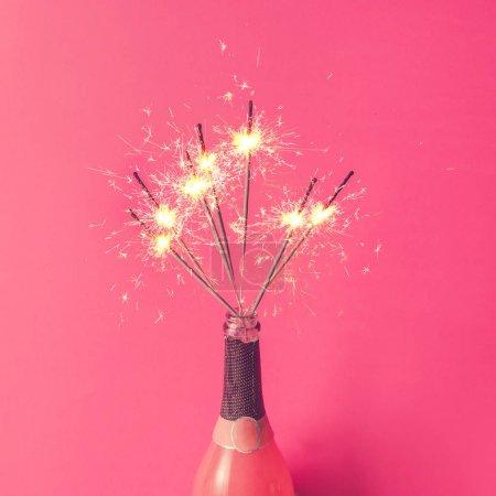 香槟酒瓶与电光花