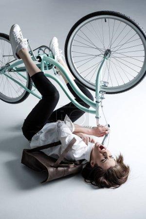 自行车的时髦女人_高清图片_邑石网
